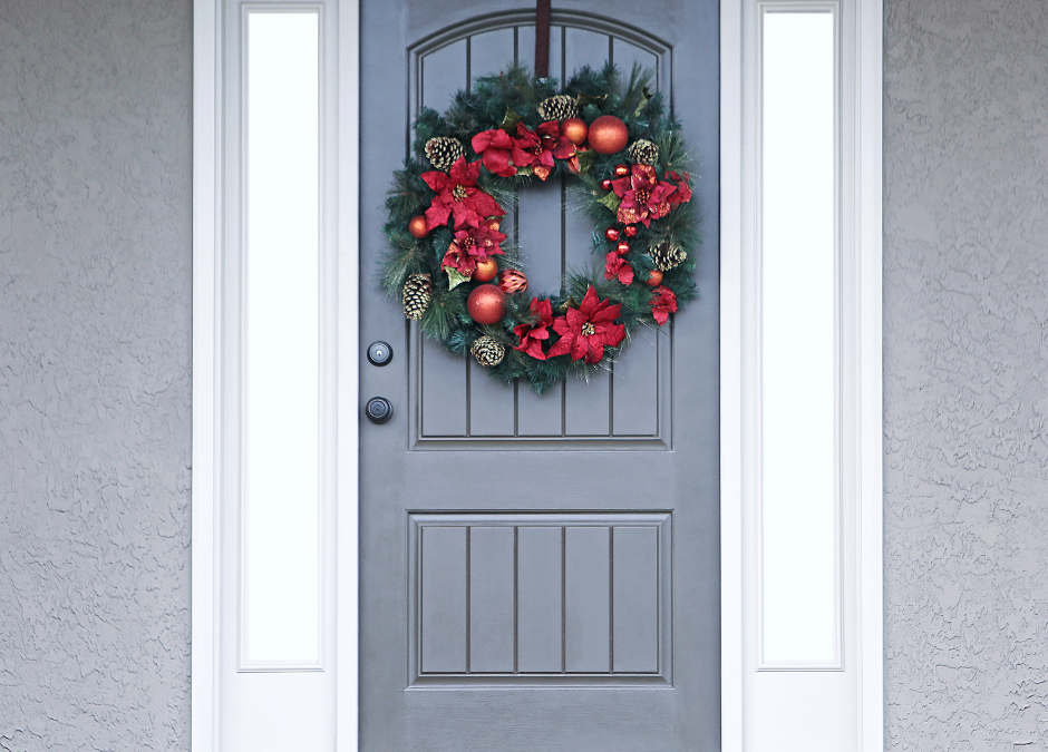 How to decorate your front door with a Christmas wreath